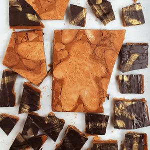 GINGERBREAD COOKIES TOFFEE CRUNCH
